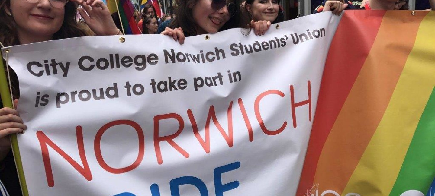 students-union-at-norwich-pride1